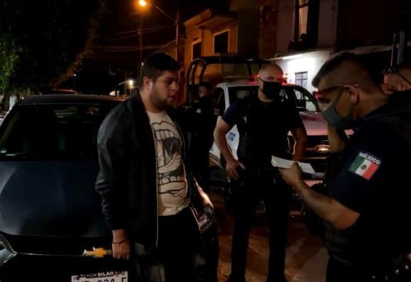 "Golpean y amenazan a reportero en Silao, ""por pasarse de VRGA con MORENA"""